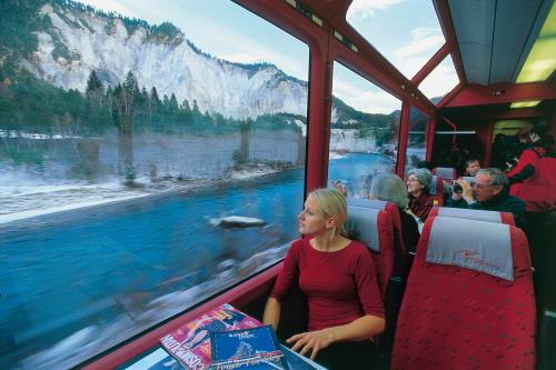 Туристический поезд Glacier Express