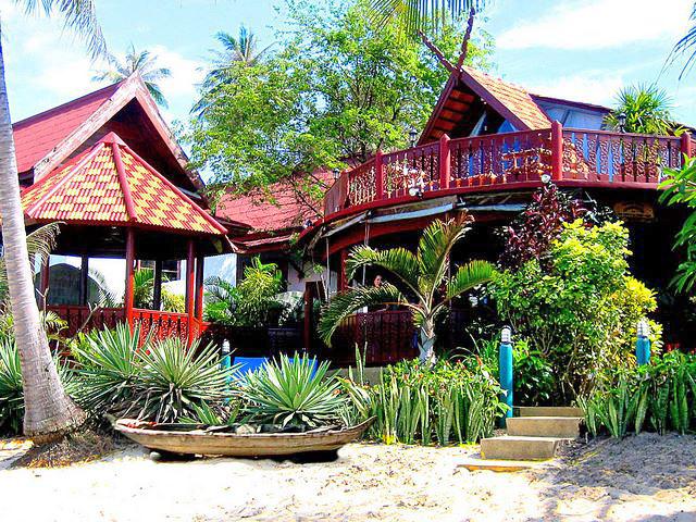 Аренда частных вилл - комплекс вилл Coconut Villages (Остров Самуи)
