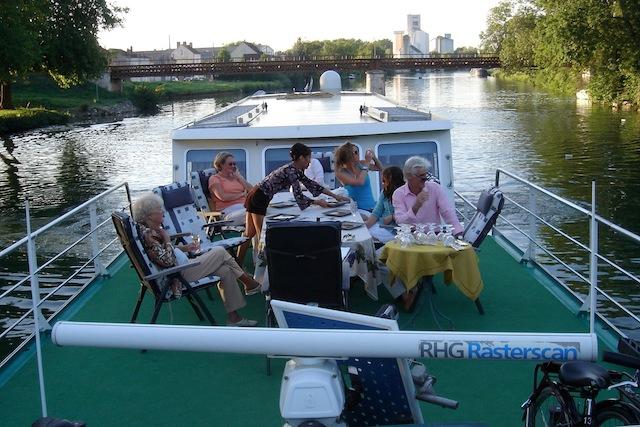 Индивидуальный речной круиз на барже «Голландия -  страна тюльпанов»