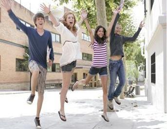 Летние курсы испанского для молодежи Enfocamp Agora (Барселона)
